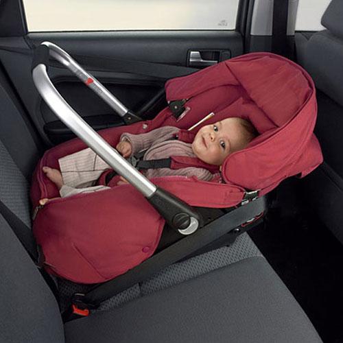 Как пристегнуть ребенка в автолюльке время